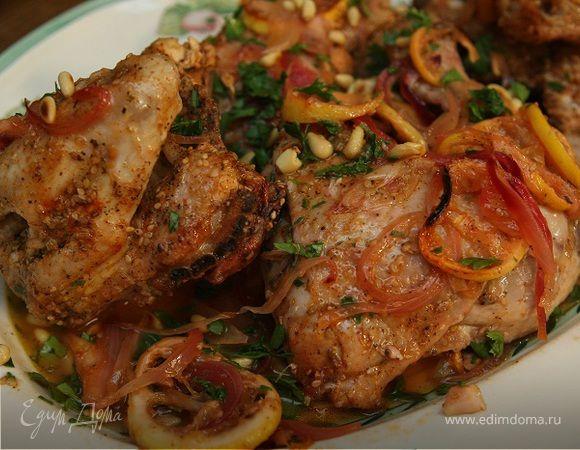 В этом блюде есть восточные, тайские нотки — добавленные в него пряности дают такой удивительный вкус, что не потребуется ни соль, ни перец. Если таких травок у вас нет, можно добавить то, что есть...
