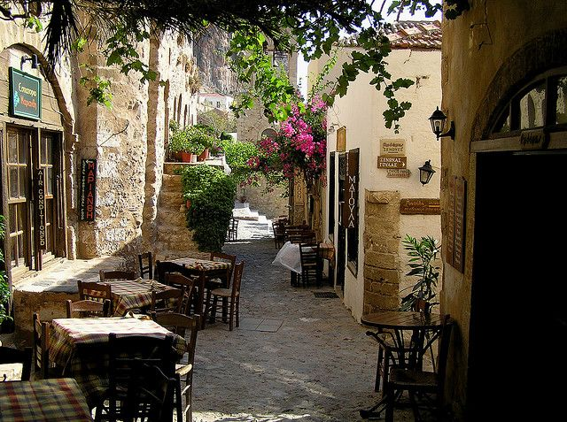 Peaceful dining place on the streets of Monemvasia, Peloponnese, Greece (by aldo splendorini).