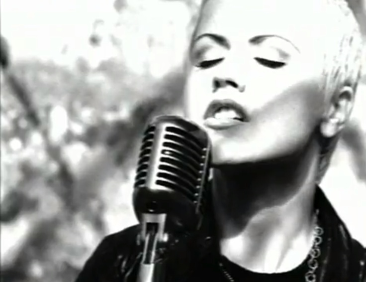 """Dolores O'Riordan in The Cranberries """"Zombie"""" video"""