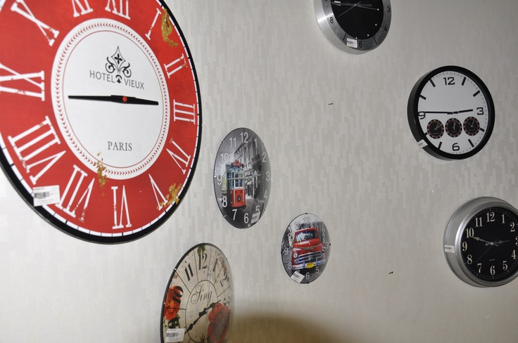 Home Accessories - wall clock