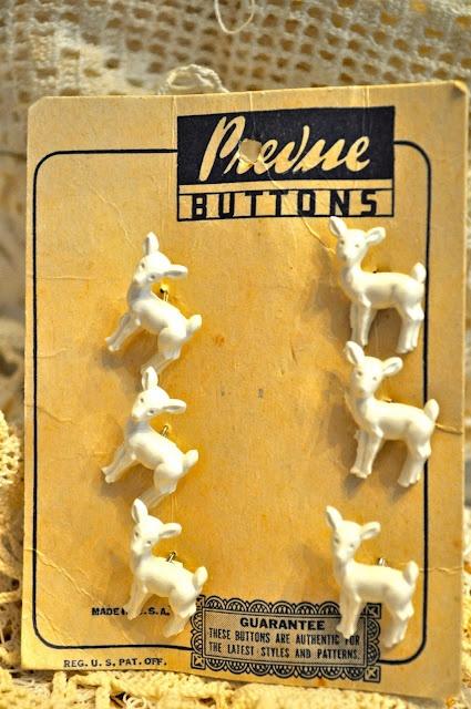 Vintage deer buttons