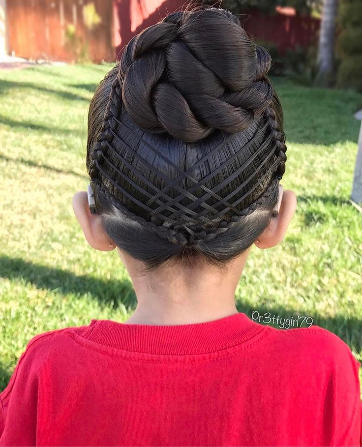 """✨""""You'll never be bored when you try something new.❣️There's really no limit to what you can do.""""✨ . Happy Birthday #DrSeuss 🎈 . Wishing you all a great day! ❤️ . #pr3ttyhairstyles #braidsforlittlegirls #abc7eyewitness #braidedbun #braidstyles #braided #braidideas #braids #braidedupdo #braidedhair #cghphotofeature #featuremejehat #hairdo #hairstyle #hairideas #hairinspo #happybirthdaydrseuss #peinado #plaits #peinadosparaniñas #penteado #Pelerossifeature #sweetheartshairdesign…"""