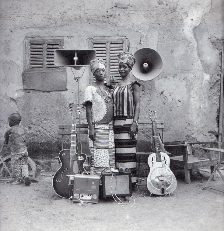 Seydou Keita. De 1962 à 1977, il est photographe à la Sûreté nationale.