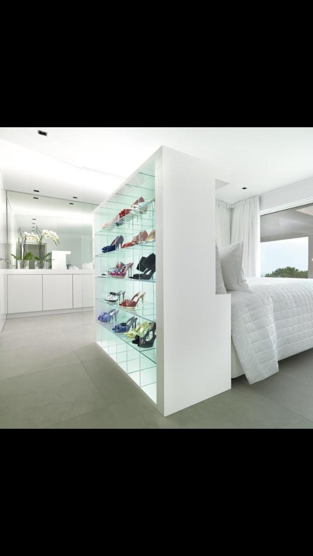 Stage Your shoes - Jan des Bouvrie