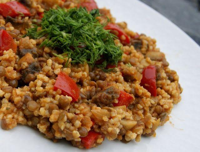 Curry z kaszą jaglaną i soczewicą