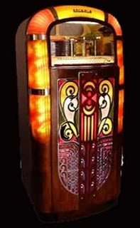 999 best jukeboxes images on pinterest jukebox record. Black Bedroom Furniture Sets. Home Design Ideas