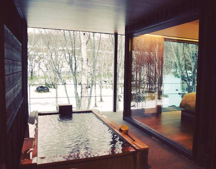 雪景色、露天風呂。  #ニセコ #坐忘林 #zaborin #温泉 #hotel #お宿 #japan photo credit @ keikoke1co | zaborin.com