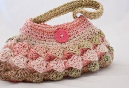crochet purse: Crochet Purses Bags, Bright Summer Handbags, Crochet Bagspur, Pur Bags Backpacks, Color, Bags Pur Crochet, Crochet Handbags, Crochet Knits, Diy Projects