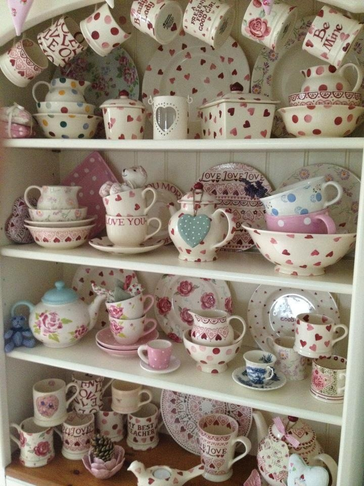 Emma Bridgewater displayed beautifully :-)