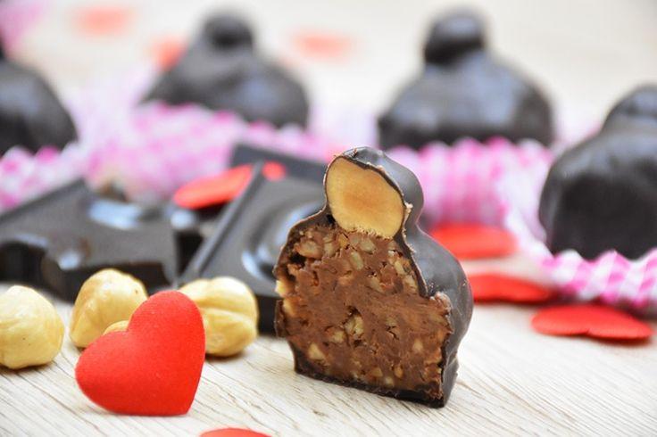 I baci Perugina fatti in casa sono ideali per San Valentino, per donare al proprio partner un dolcetto fatto con le proprie mani. Saranno deliziosi