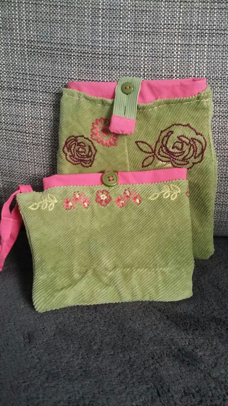 Pochettes faites avec  une jupe côtelée verte et un bermuda fushia