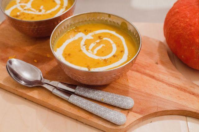 Idée pour le dîner : un velouté de potimarron, patate douce et coco - par Pauline @twinscook - servi dans des bols cuivrés BABOU à 2€. (ménagère 16 couverts également en vente chez BABOU au prix de 8€)
