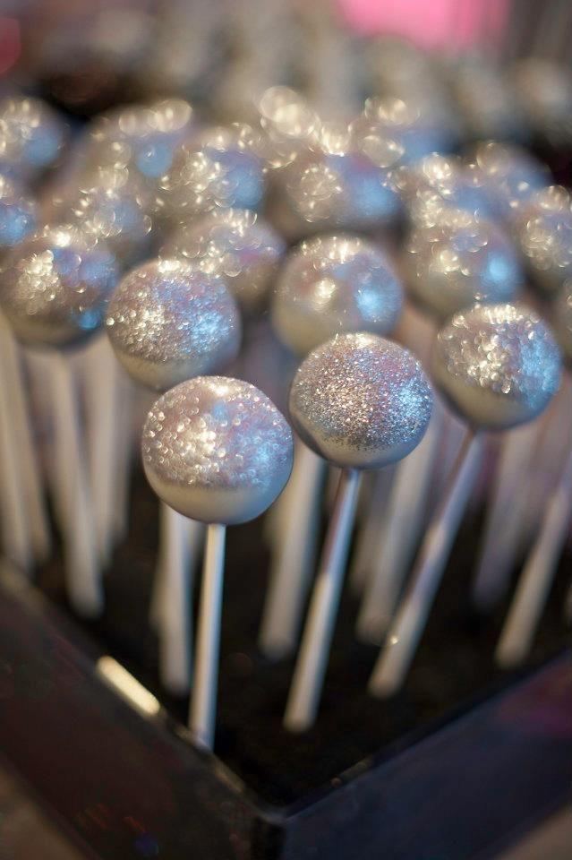 Sweet Lauren Cakes Silver Glitter Pops