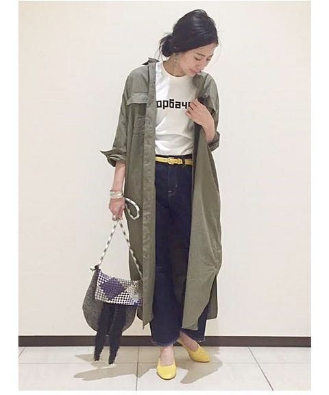 ◆シャツワンピース  ワンピースとして着ても素敵ですが、暖かくなるこれからの季節に羽織として、レイヤードスタイルもオススメ! 小物を明るいカラーにするだけで、一気に春の気分に・・・