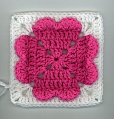 ~ 4-hearts square (ice cream & cupcakes too) ~ by Dly's Hooks and Yarns