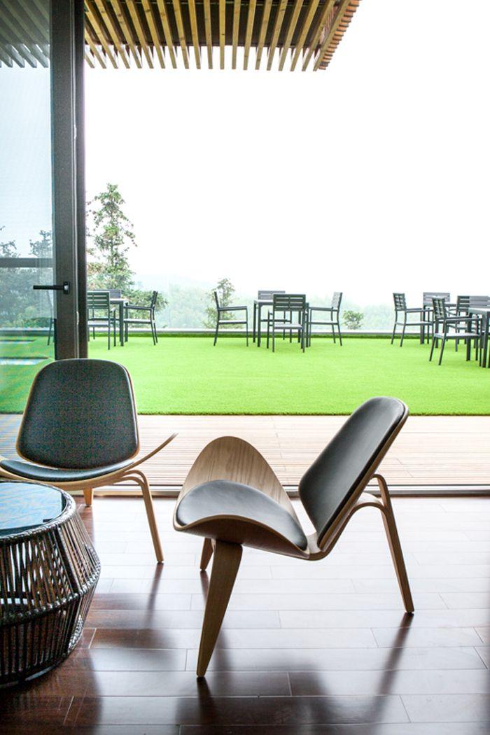 Terrace at Spa-Clubhouse, Garden Valley - Mei Jie Mountain Hotspring resort in Liyang, China. by AchterboschZantman architecten