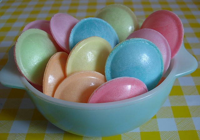 flying saucers yum, one of my childhood favorites!