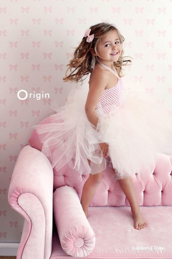 Tapeta w różowe kokardki dla pięknej ksieżniczki :-)