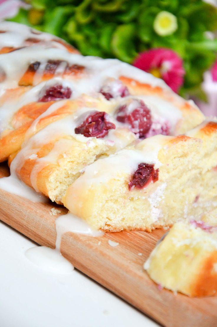 Vanille-Kirsch Topfen-Hefezopf   Baking Barbarine
