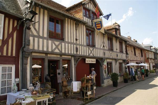 Beuvron-en-Auge - Calvados - Les plus beaux Villages de France