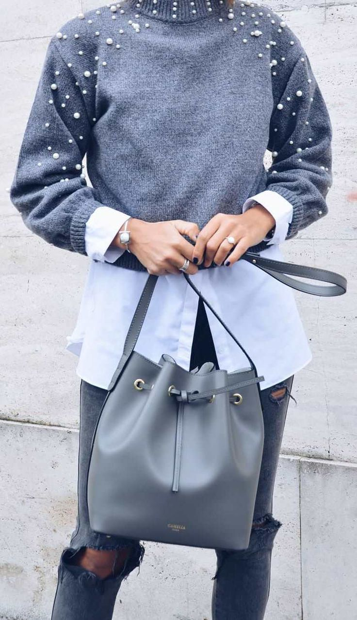 winter fashion trends / grey sweater + white shirt + bag + skinny jeans