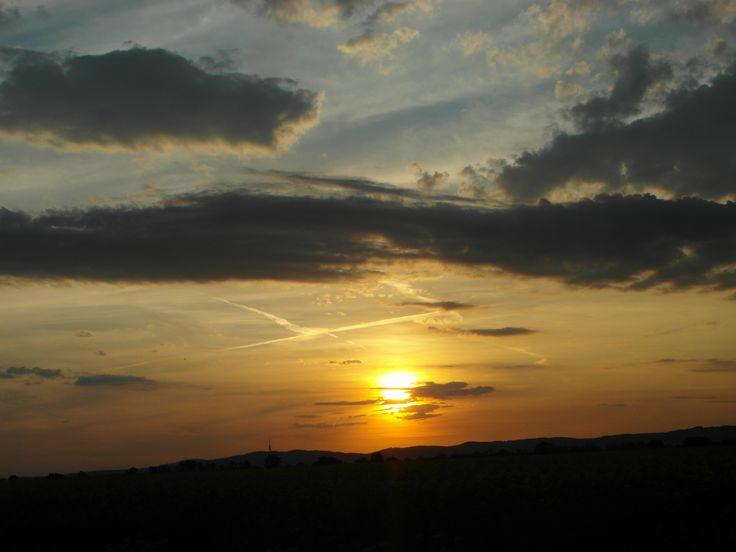 Západ Slnka nad Bratislavou | Krásny víkend ... Sunset over Bratislava | nice weekend ...  #bratislava #slovensko #slovakia #europa