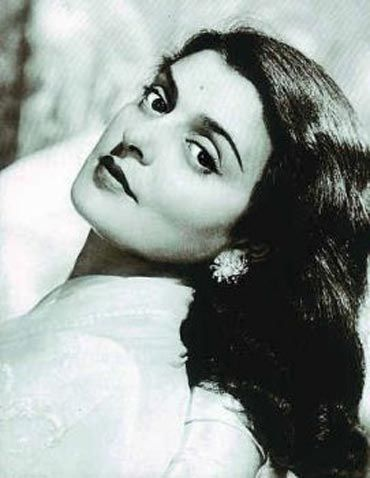 Maharani Gayatri Devi (May 23, 1919 July 29, 2009)    Nobody needs an introduction to the charismatic Maharani of Jaipur, who occupied the throne of the princely state from 1939 to 1970.    Educated in Europe, the Maharani was a striking beauty in her youth and grew up to become quite a fashion icon, with Vogue Magazine naming her one of the 'Ten Most Beautiful Women in the World.'