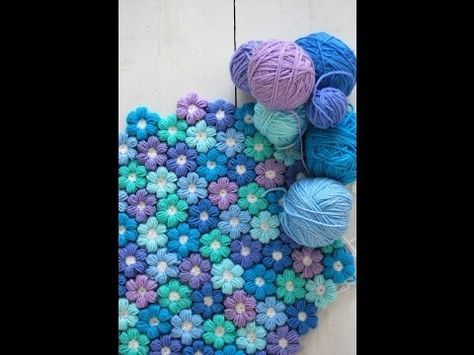 Any one love me enough to make this for me?!? Super-Soft 6 Petal Flower Baby Blanket With Free Pattern