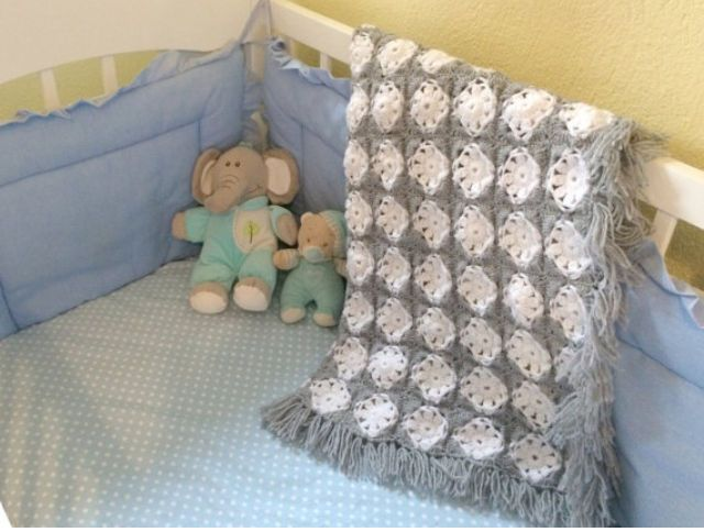 Baby crochet blanket, blanket for baby's nursery, gray and white by stellaknittingshop on Etsy