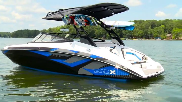 2016 Boat Buyers Guide Yamaha 242 X ESeries Boat, Boat