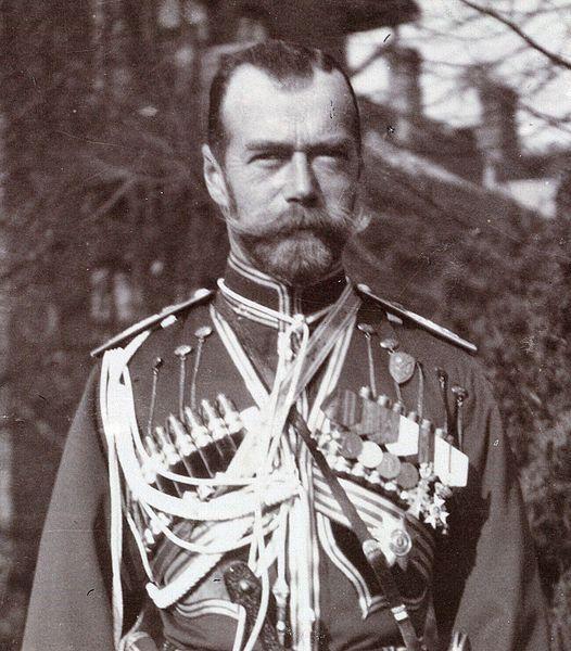 100 лет назад, в марте 1917 года, во Владимире свергли губернатора, разоружили офицеров, выпустили на волю политических заключенных, сбили двуглавых орлов и устроили революционные праздники