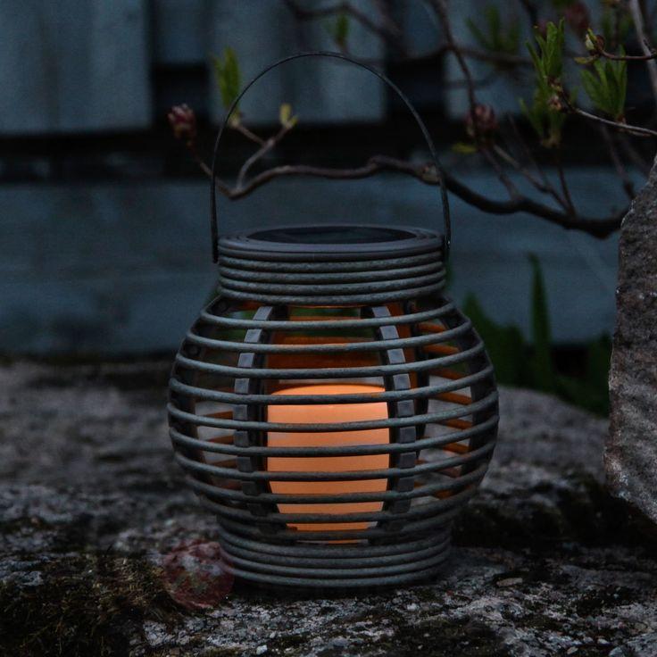 Modna lampa solarna Lantern imitująca rattan, LED 1522996X