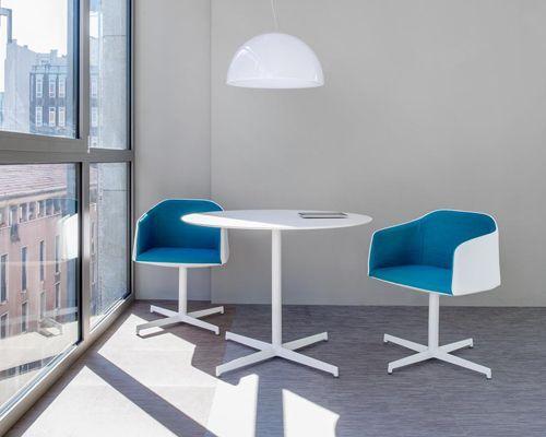 Pedrali Laja 885 | Sedia con braccioli imbottita design moderno