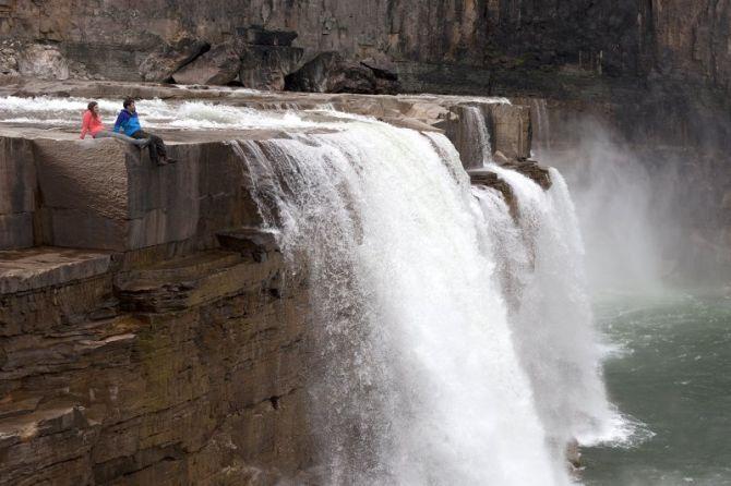Tuktut Nogait National Park Waterfalls