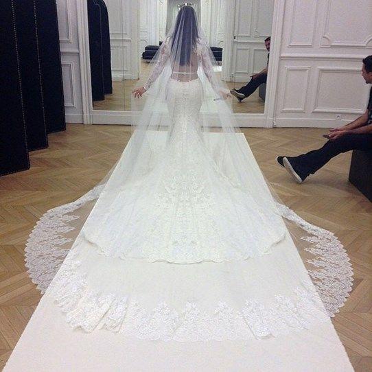 Kim Kardashian's stunning wedding dress details :: Cosmopolitan.