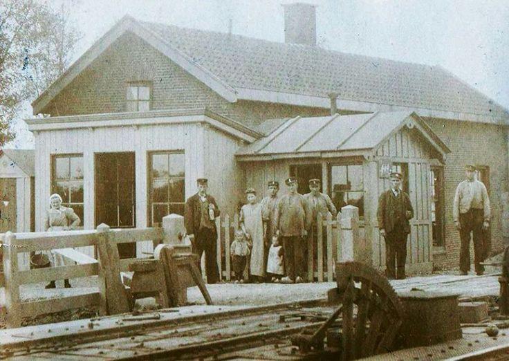 """Bleiswijk/Kruisweg:"""" op een klein stationnetje......""""."""