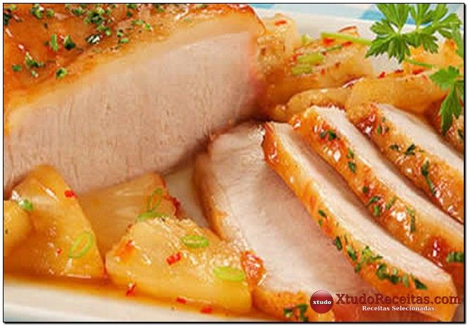 Ingredientes da Geléia: 1 abacaxi cortado em cubos 2 pimentas dedo de moça cortadas em rodelas 1 maçã ralada 2 dentes de alho amassados 3/4 de xícara (chá) de açúcar cristal 50 ml de vinagre de vinho branco ou de maçã Ingredientes da Picanha: 2 dentes de alho 2 colheres (chá) de sal 2 colheres …