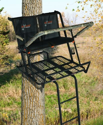 Best 25 tree stand hunting ideas on pinterest hunting for Climbing tree stand plans