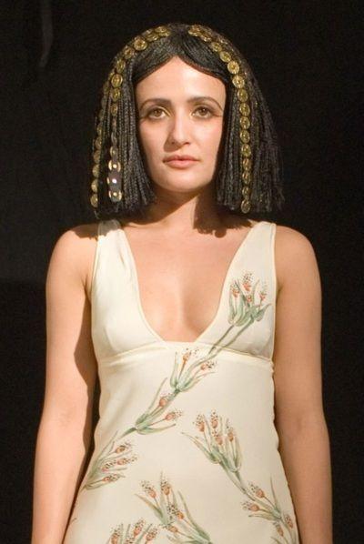 Cleopatra (Lyndsey Marshal)