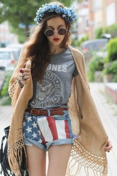 Love the big sweater! Gorgeous Bohemian Style Clothing   Glam Bistro