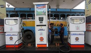 Petrol hiked by 13 paise a litre, diesel cut by 12 paise -01 Dec,201 :->The Indian basket of crude oils closed trade on Tuesday at $45.23 for a barrel of 159 litres. Amid the continuing fluctuation in global oil prices, state-run Indian Oil Corp (IOC) again moved in contradictory ways on transport fuels, marginally hiking petrol by 13 paise a litre and cutting diesel prices by 12 paise at Delhi, with corresponding changes in other states and effective from midnight.
