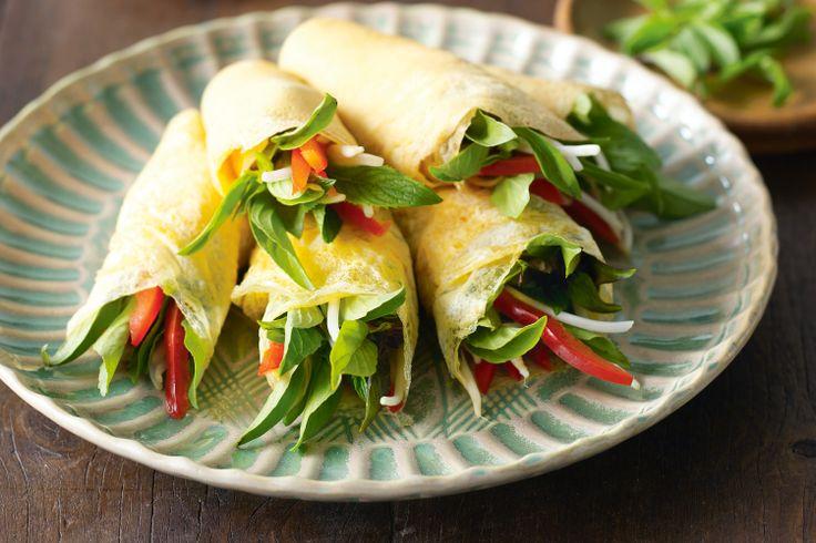 Thai omelette rolls