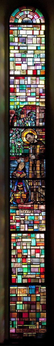 Taufe: Franz Xaver tauft einen Inder | Entwurf: Josef Eberz, Vereinigte Werkstätten für Mosaik und Glasmalerei, München-Solln | Bildindex der Kunst & Architektur