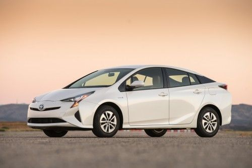 Picture of Ten Best Hatchback Car - No 7 - 2016 Toyota Prius