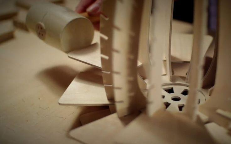 Sperrholz - Teile mit dem Holzhammer fest verankern
