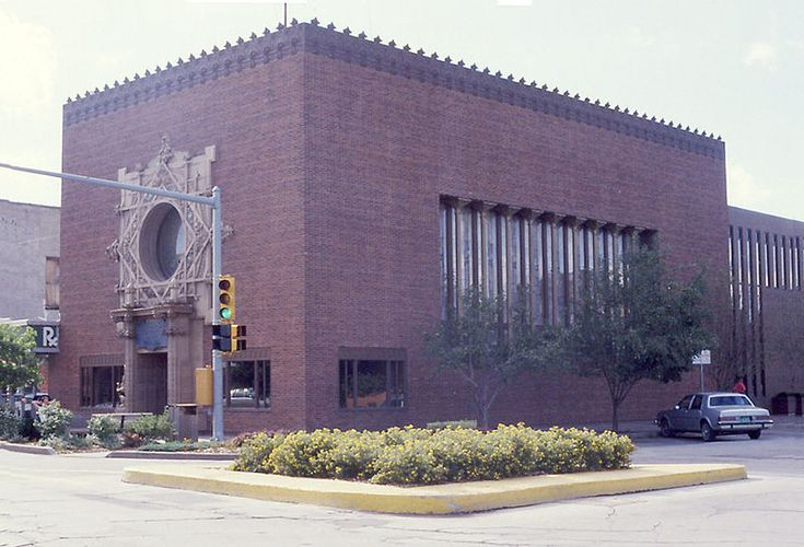 Merchants National Bank, Grinnell, Iowa - Louis Sullivan, Architect