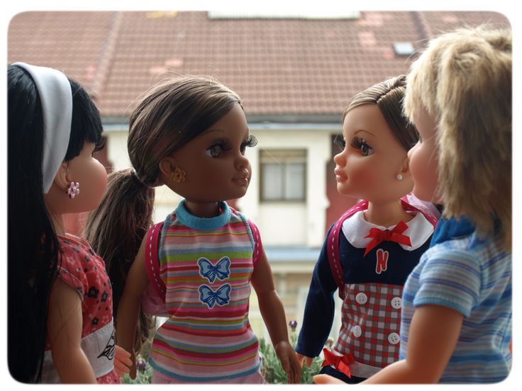 ¡Nuevos compañeros de clase! #Nancy #dolls #muñecas #poupées #juguetes #toys #bonecas #bambole