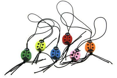 Gelukspoppetjes liefsheersbeestje kleurenmix, lieveheersbeestje +/- 2 cm.(deze gelukspoppetjes worden uitsluitend als kleurenmix geleverd). De betekenis van het lieveheersbeestje. Het lieveheersbe...