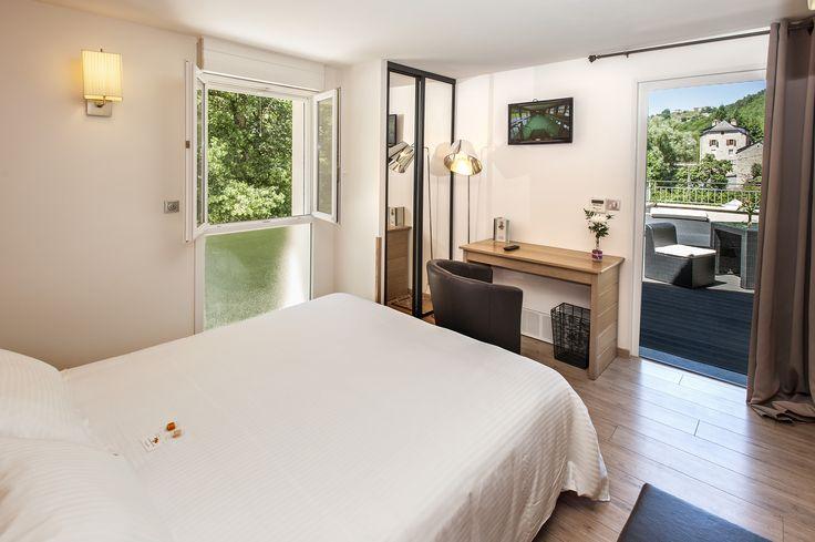 Séjour dans un hôtel logis en Lozère au bord de l'eau. Au programme détente et zénitude. #hotellogis #logisdelozere #hotellozère #hotelles2rives
