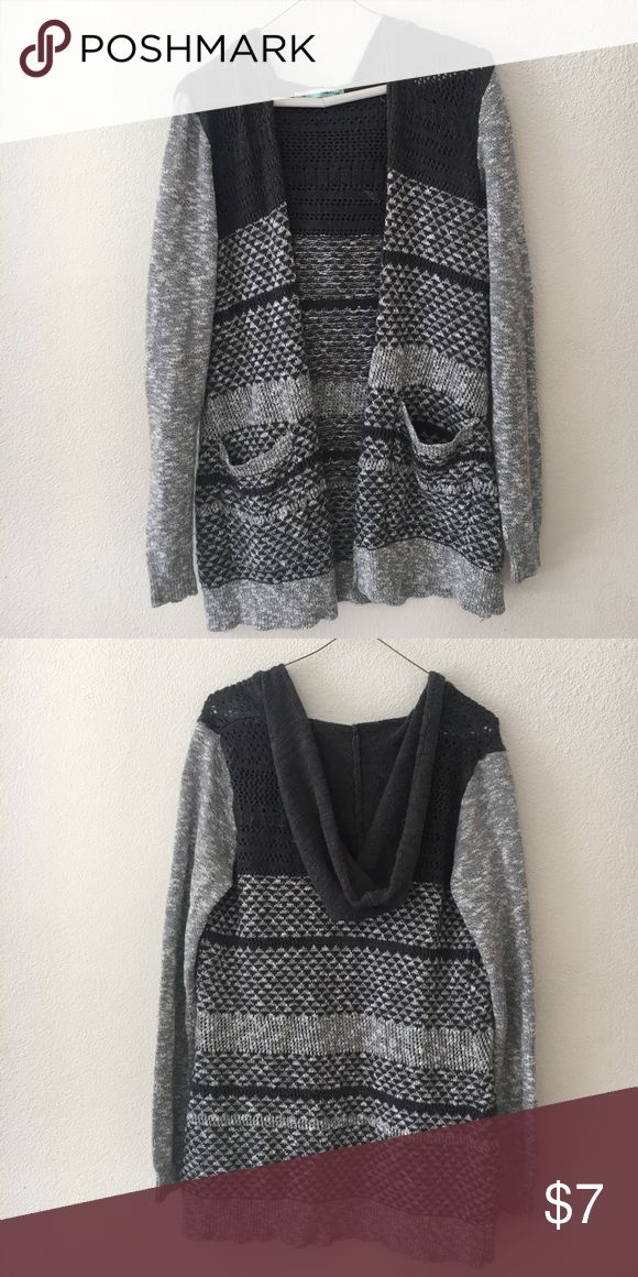 Maurices tribal print hooded cardigan Tribal print grey woven hooded cardigan Maurices Sweaters Cardigans